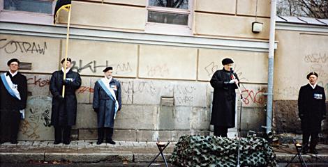 Muistolaatta 2 Aune Venho30111996kasitelty