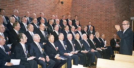 Veteraanikuoro Henrikin kirkossa 1997_470x240